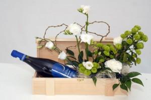 flori2 300x200 Vinuri fine romanesti si flori olandeze